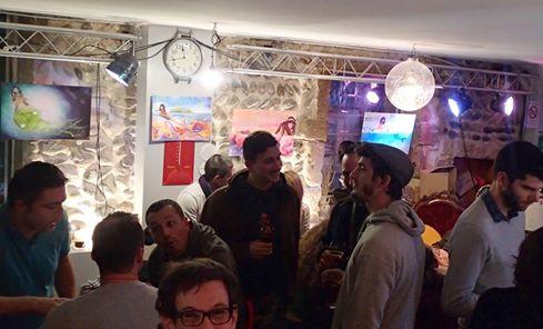 Exposition des toile du livre Mina à » L'imaginarium» bar, à Valence, et séance de dédicace